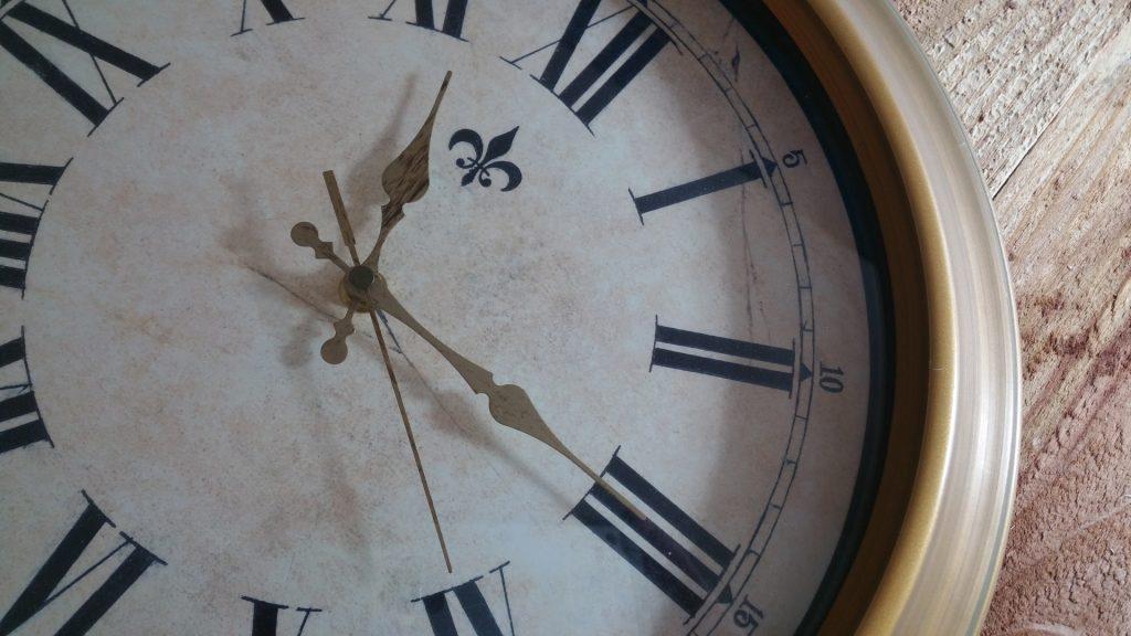 clock-1446663009k6u